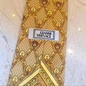 Versace men tie New with no tag